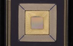 美国大学打造20万核计算机:单芯片25核