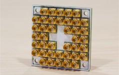 Intel交付17量子比特超导芯片:运算速度是酷睿i7的6万倍