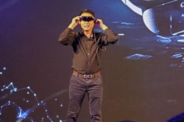 vivo展示首款AR眼镜产品:作为手机屏幕的扩展,可实现五大功能-芯智讯